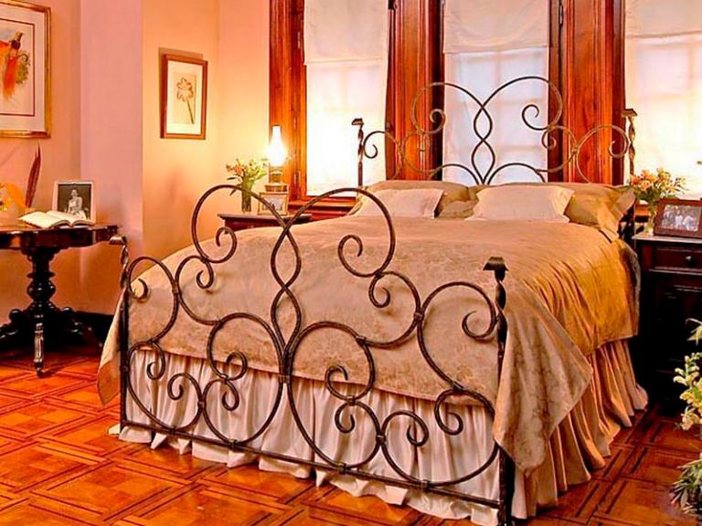 Кованая мебель кровать от Наковали