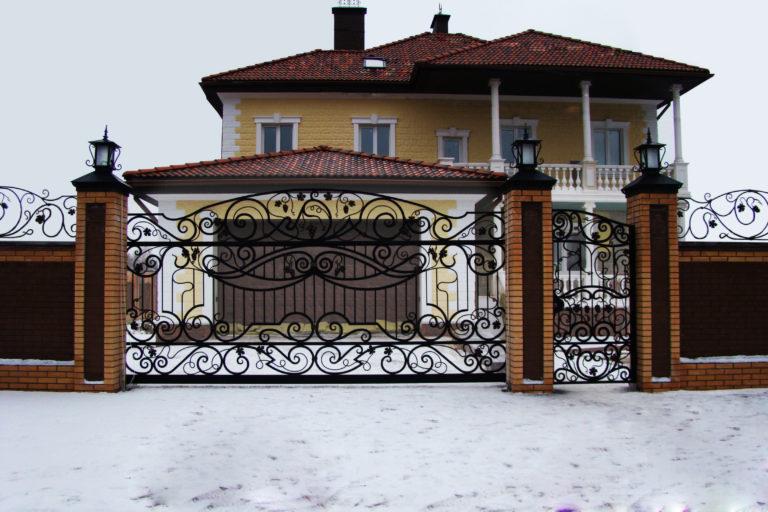 Кованые ворота и калитка от Наковали
