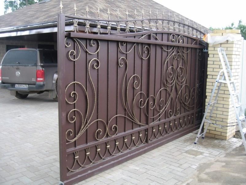 Кованые красивые откатные ворота6