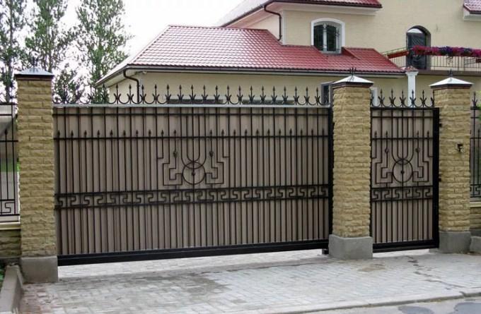 Кованые откатные ворота4