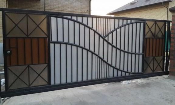 Кованые ворота распашные с калиткой №70 Цена: 8900 руб/м2