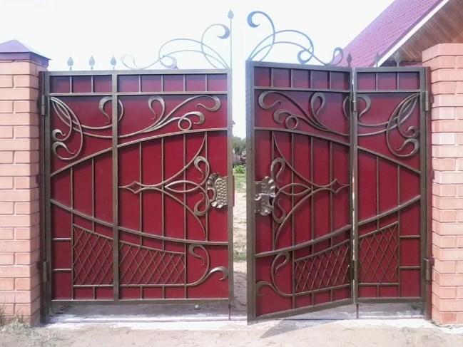 Кованые ворота распашные с калиткой №72 Цена: 11300 руб/м2