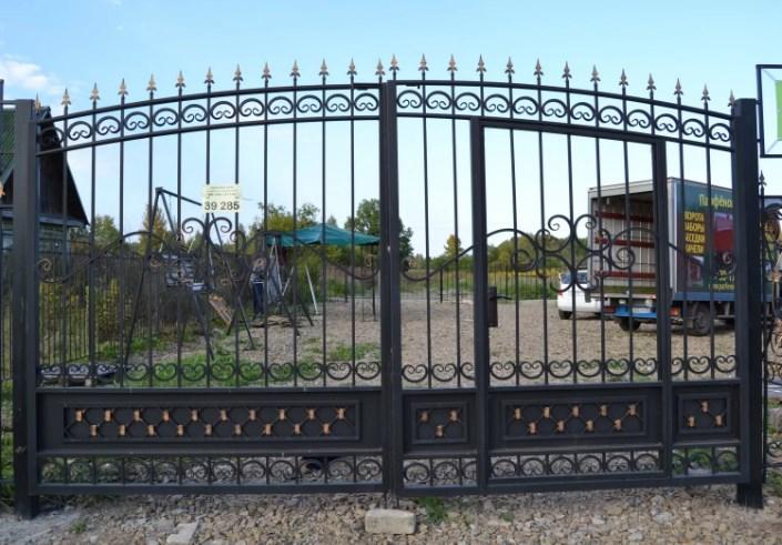 Кованые ворота распашные с калиткой №68 Цена: 9400 руб/м2