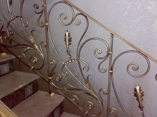 Кованые перила для лестницы цена от Наковали