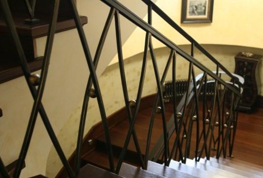 Сварные перила винтовые для лестницы с геометрией цена Наковали
