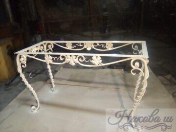 Кованый стол от Наковали