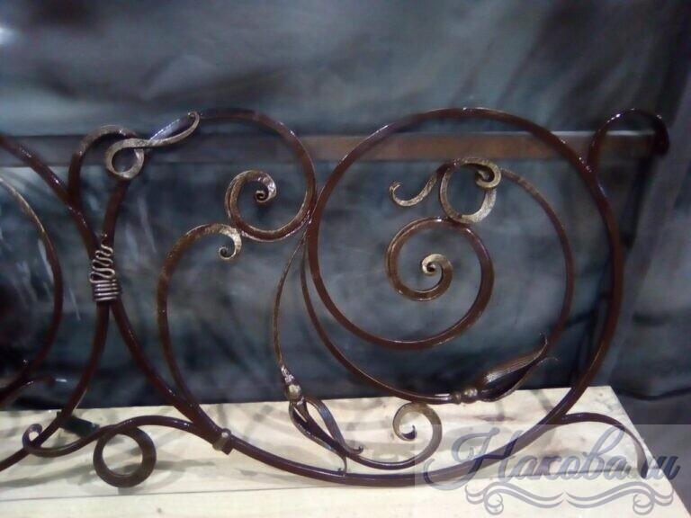 Кованые перила и лестница на крыльцо от Наковали