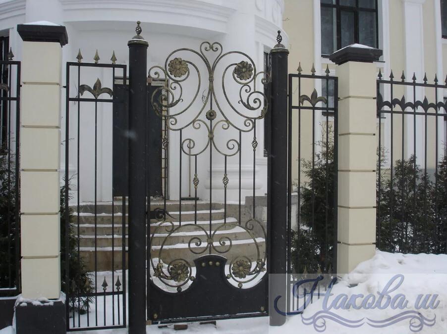 Кованые столбы для ворот цена от Наковали
