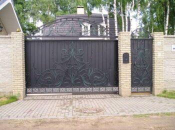 Кованые откатные ворота с аркой ковка Наковали