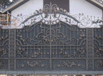Кованые откатные ворота серые цена Наковали
