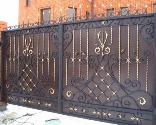 Кованые красивые откатные ворота1
