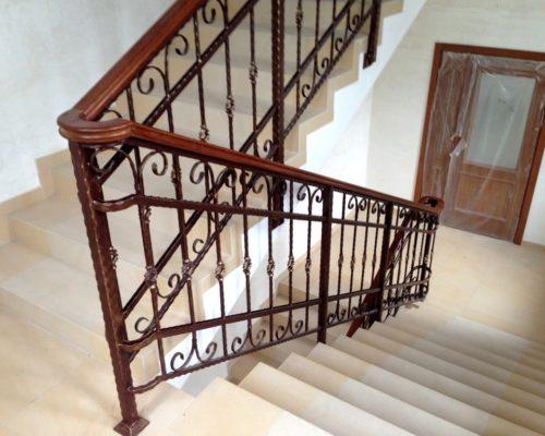 Кованые перила для лестницы 6
