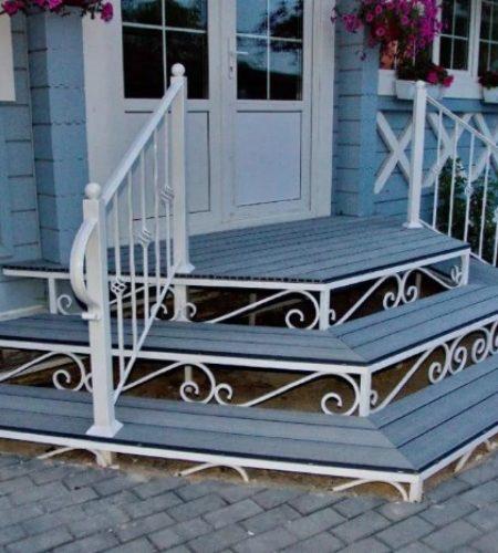 Металлокаркас лестницы с ковкой для входа наковали 2