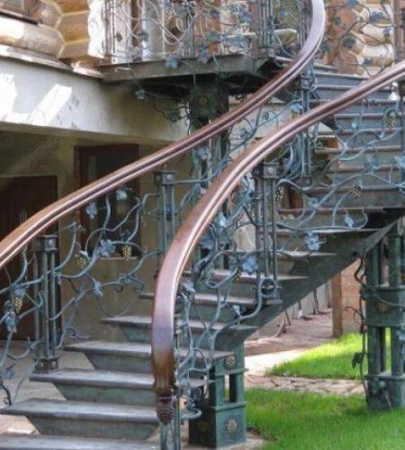 Металлокаркас лестницы с ковкой наковали 7