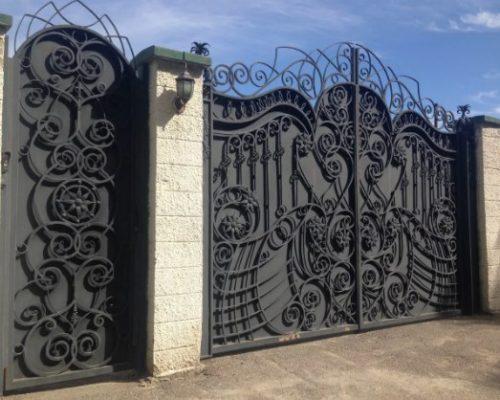 Кованые ворота с калиткой дорогие Люкс Наковали
