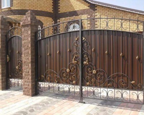 Кованые ворота с листом коричневые Наковали в Туле