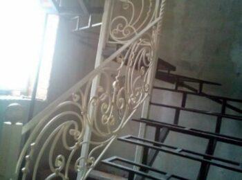 Кованые перила для лестницы 71