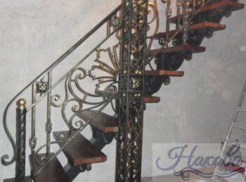 Кованые перила для лестницы 75