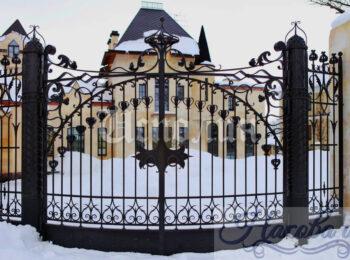 Кованые столбы для ворот и калитки цена от Наковали