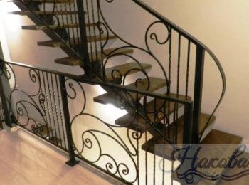 Металлическая лестница 013