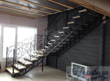 Металлическая лестница 016