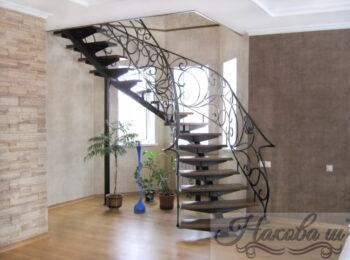 Металлическая лестница 018