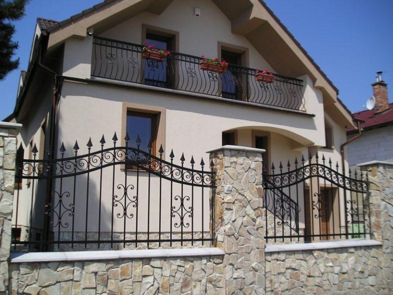 Кованый забор и балкон от Наковали