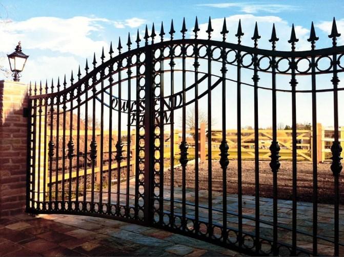 Кован-сварные ворота распашные №52 Цена: 10500 руб/м2