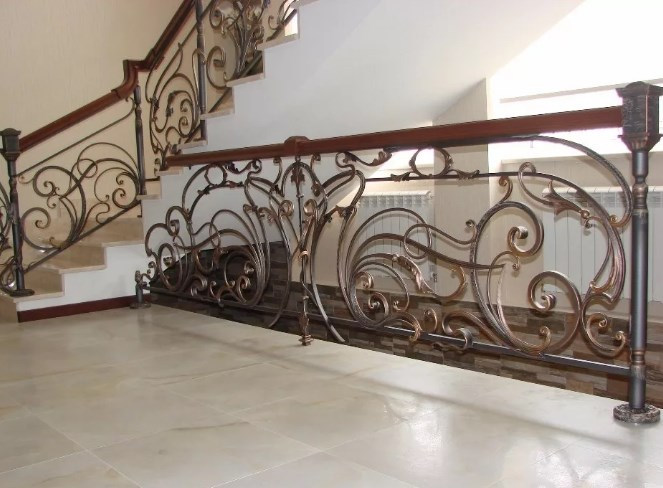 Кованые перила для лестницы цена Наковали