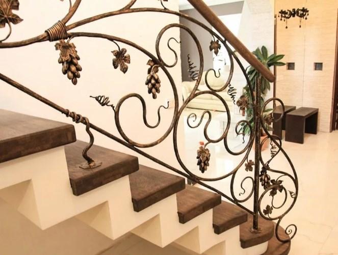 Кованые перила для лестницы виноградная лоза цена Наковали