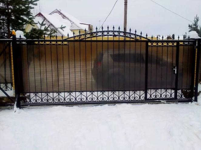 Кованые ворота распашные с калиткой №71 Цена: 8900 руб/м2
