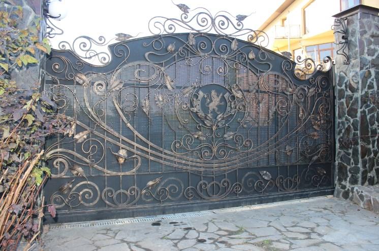 Кованые откатные ворота большие цена красивые Наковали