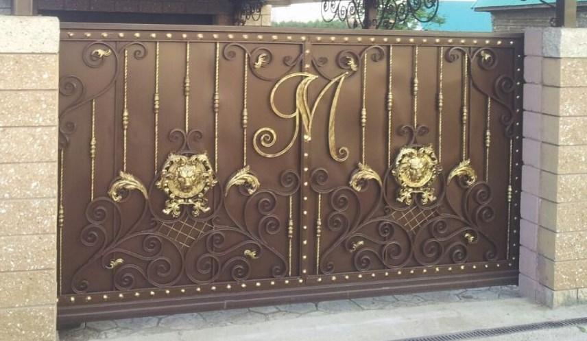 Кованые откатные ворота с инициалами цена Наковали