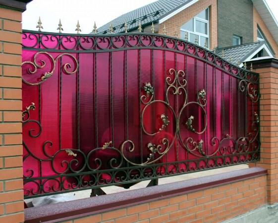 Кованный забор с поликарбонатом цена от Наковали