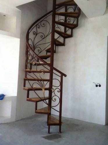 Кованая винтовая лестница цена