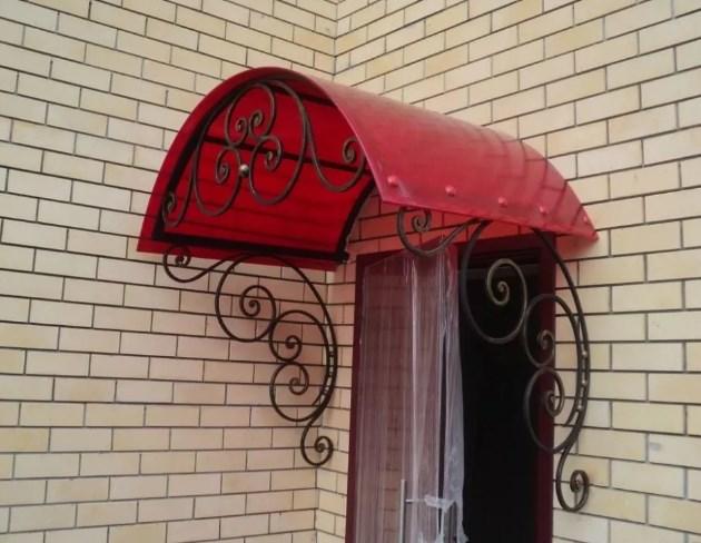 Кованый козырек красный поликарбонат, фото цены от Наковали