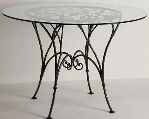 Кованый стол со стеклом от Наковали