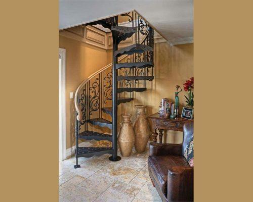 Винтовая кованая лестница 10