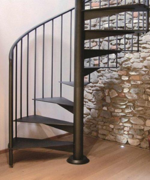 Винтовая кованая лестница 16